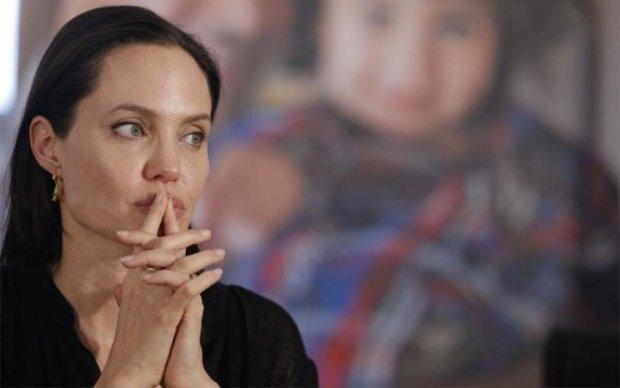 Состояние Джоли напугало фанатов