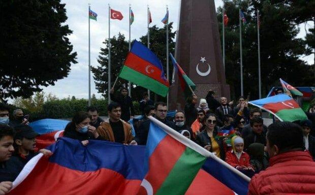 """Протести в Єревані, фото: Telegram-канал """" Бакинський народ"""""""