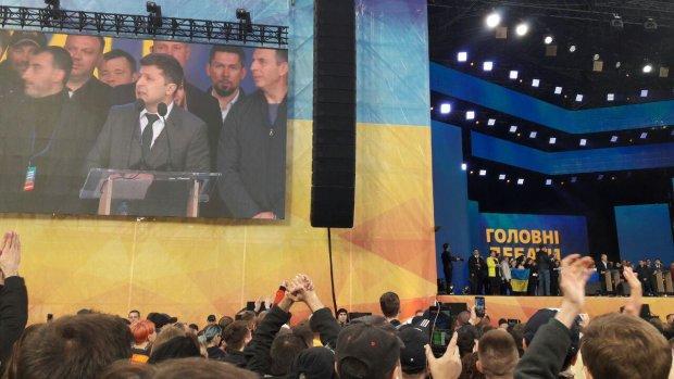 """""""Какой из него президент? Отстой!"""": в соцсетях отреагировали на дебаты Зеленского и Порошенко"""