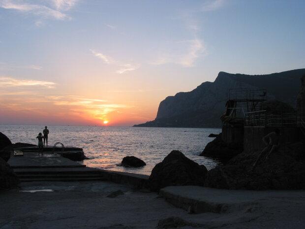 Мохнаторукие монстры атаковали Черное море: экологи бьют тревогу - под ударом не только Украина