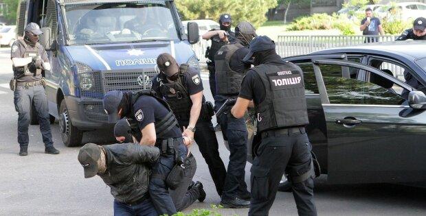 """""""Не дала"""": під Одесою схопили підозрюваного у розправі над вихователькою, кинув тіло в колодязь"""
