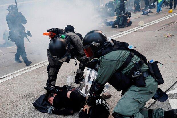 В столице массовые протесты превратились в ад, копы застрелили активистов: что происходит