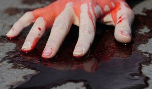 Подросток хладнокровно убил мать из-за девушки