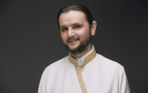 Священник с Киевщины стал Голосом країни