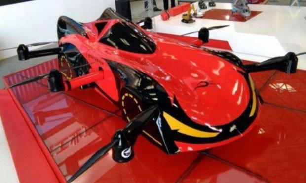 В Китае создали летающий автомобиль-беспилотник