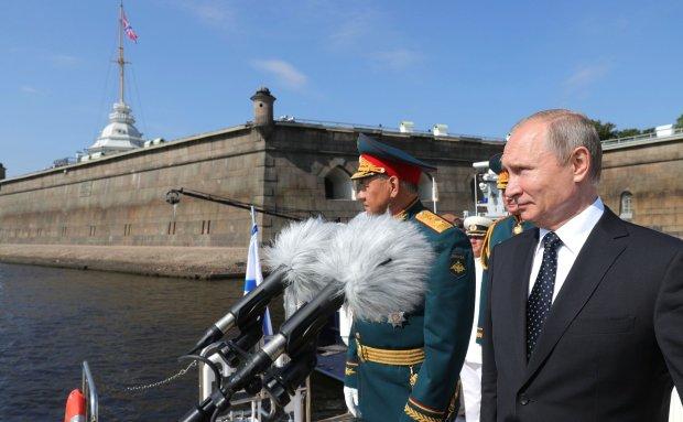Путин внезапно вырос, сеть разорвало от насмешек: руки как у гиббона