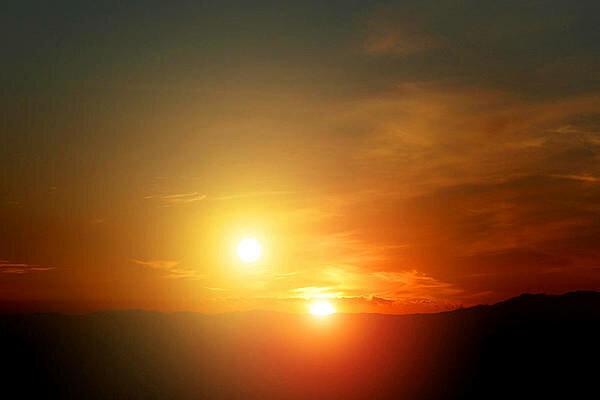 Блукає десь Чумацьким Шляхом: вчені заявили, що в Сонця може бути зірка-близнючка