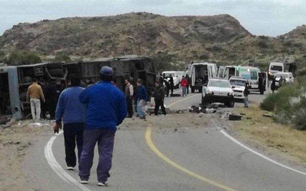 В Аргентине автобус с детьми попал в жуткое ДТП: более десятка жертв