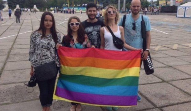 "На параде ""Азова"" поддержали ""Марш равенства"""
