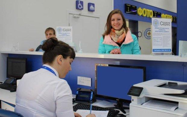 Испорченный безвиз: украинцы столкнулись с проблемой при оформлении биометрики