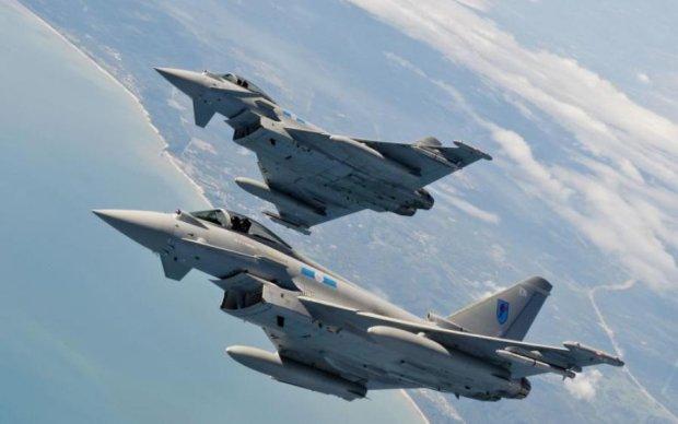 Российские бомбардировщики устроили провокацию в Черном море