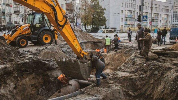 Прорыв теплотрассы в Киеве, Униан