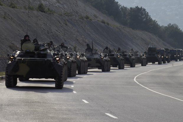 Сміття, а не танки: вояки Путіна не впораються навіть з велосипедом, тотальну ганьбу приховували роками
