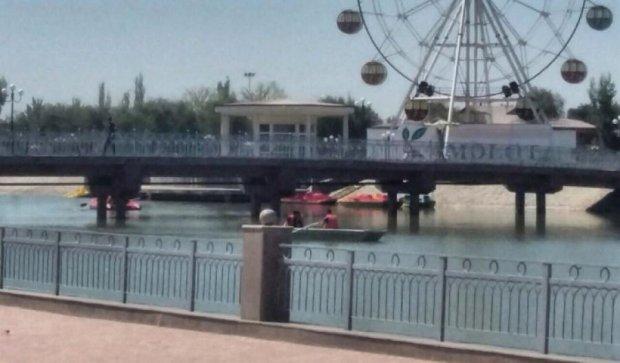 В Узбекестани во время концерта обрушился мост (фото)