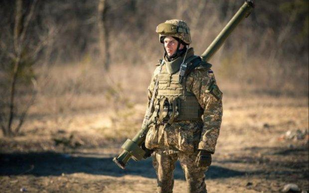 Военнослужащим поднимут зарплаты: когда и на сколько
