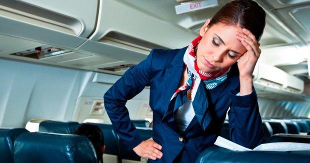 Стюардесса рассказала, что вытворяют на борту самые вредные пассажиры. Их поведение не вписывается ни в какие рамки