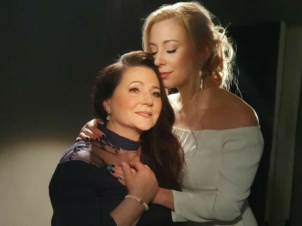 Тоня Матвиенко с мамой, фото из instagram