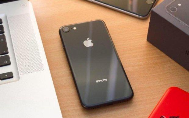 Смартфони Apple розгромили конкурентів