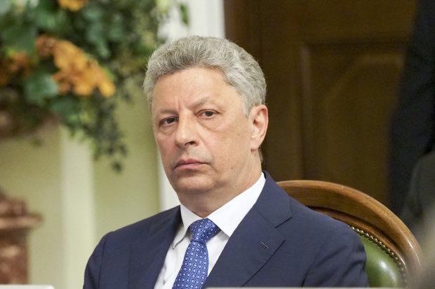 Измена в прямом эфире: скандальный дружок Януковича засветился с террористами, украинцы просят СБУ опомниться