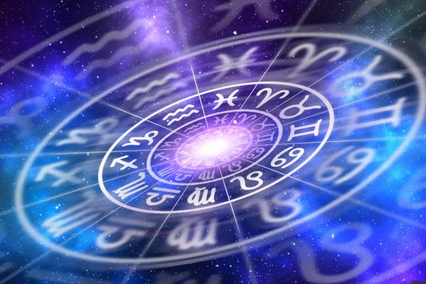 Гороскоп на 21 травня для всіх знаків Зодіаку: Водоліям потрібно поспішити, Тельцям – розставити пріоритети