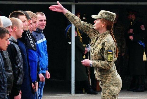 """В Украине начался осенний призыв: """"Явка в военкомат не означает…"""""""