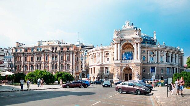 Україна - країна контрастів: в Одесі засікли один із найдорожчих автомобілів світу