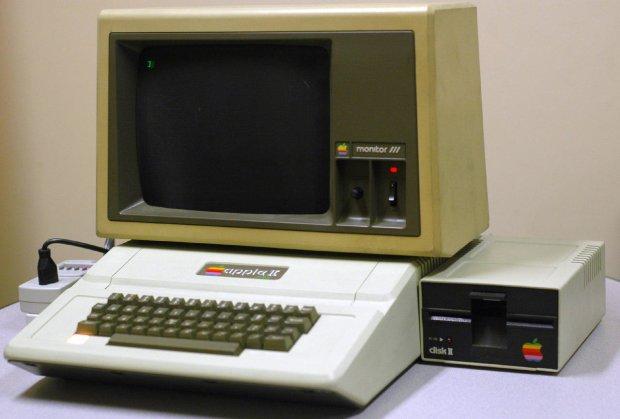Житель америки отыскал начердаке 30-летний компьютер отApple