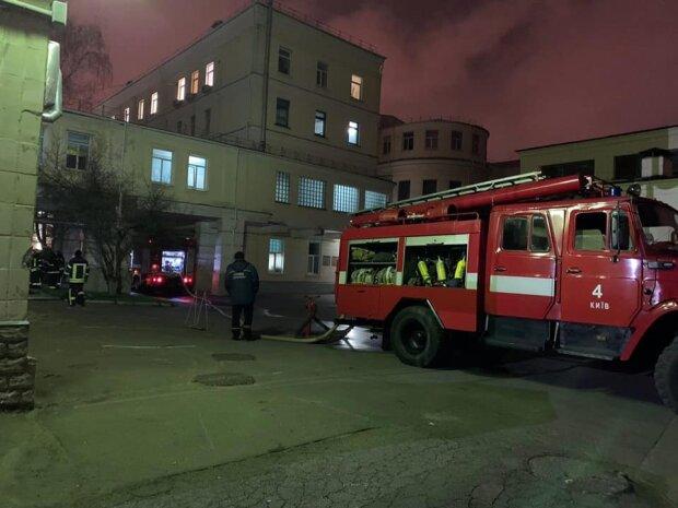 ліквідація пожежі, фото ДСНС України