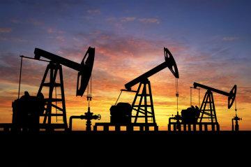 Дешевше за воду? Ціни на нафту впали до мінімуму, що відбувається