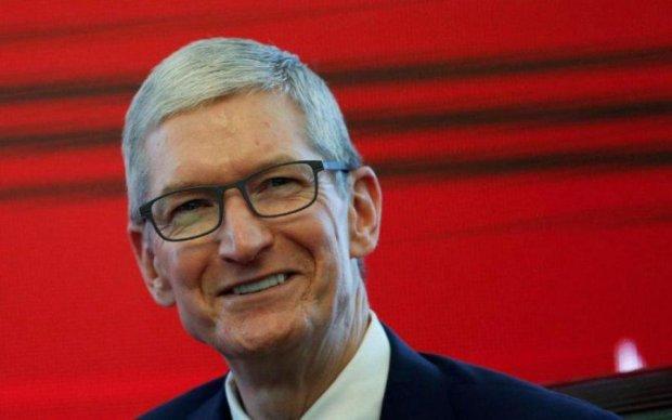 Тім Кук проговорився, в якій позі працюють в Apple
