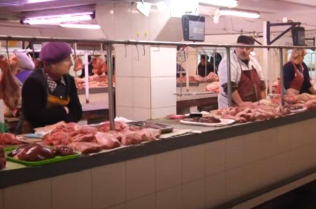 Тернополянам впарили омерзительное мясо, может стошнить - глисты в подарок