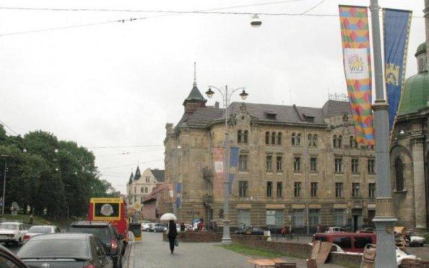 Погода у Львові на 18 липня: грозовий дощ прополощить людей до нитки