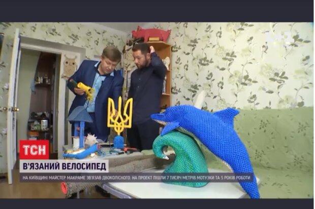 """Український майстер відправився до Книги рекордів на в'язаному велосипеді: """"Золоті руки"""""""