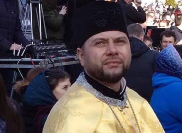 """Маршрутчик вышвырнул священника из-за тюремного шансона Путина: """"Бесит? Топай!"""""""