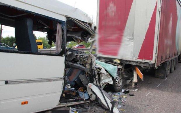 Кривава трагедія під Житомиром: долю власника маршрутки вирішує суд