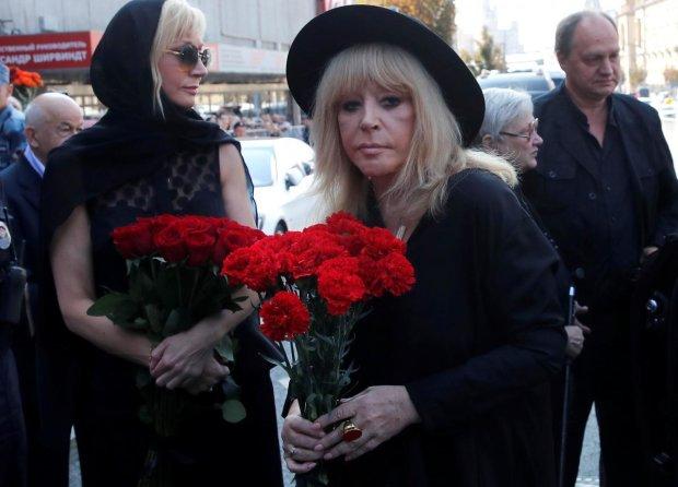 Пугачову підкосило страшне горе: поховає близького друга
