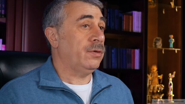 Доктор Євген Комаровський (скріншот You Tube)
