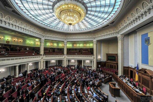 Революция или тотальный контроль: Рада запретила наложенный платеж в Украине