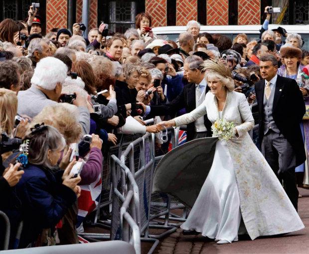 Герцогине Корноульской - 72: самые яркие наряды жены будущего короля Британии