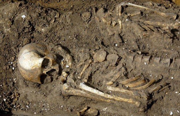 Рождение в гробу: археологи наткнулись на жуткую могилу беременной женщины