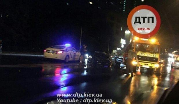У масштабній столичній аварії розбилися п'ять машин