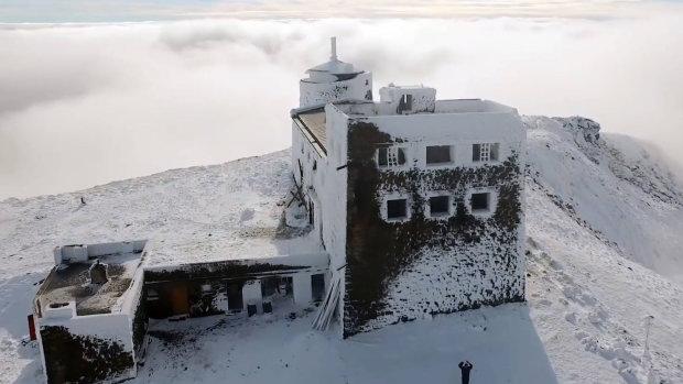 Засніжені Карпати показали з висоти: краса і небезпека, фото зимової казки