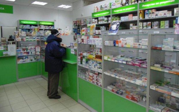"""Аптеки впарили українцям нереальну кількість """"отрути"""""""