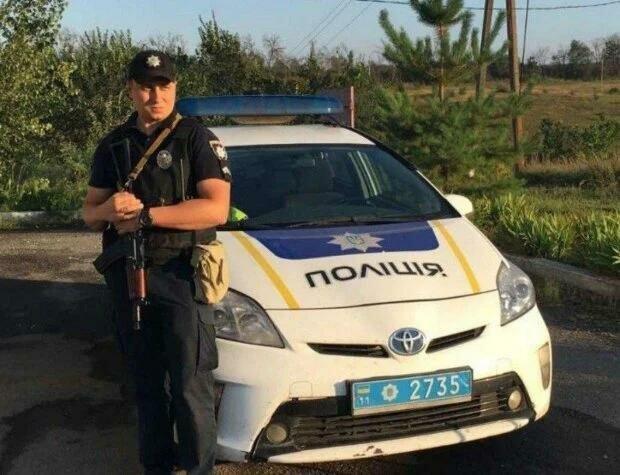 Полицейский из Днепра впал в кому, жизнь повисла на волоске - жена и маленькая дочурка умоляют о помощи