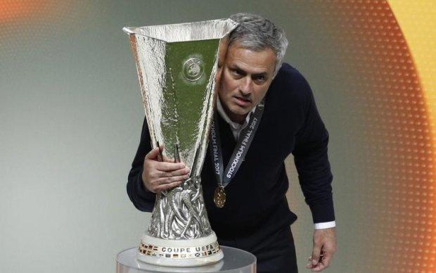 Моуринью выигрывал еврокубки с тремя разными клубами