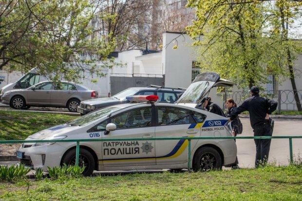 Газом в лицо: киевлянин устроил копам игры на виживание и выпрыгнул из окна