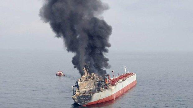 Россия совершила атаку на два танкера в Оманском заливе, – СМИ