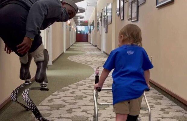 Блейк Ліпер і хлопчик / скріншот з відео
