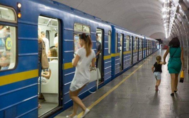 Страх і ненависть в київському метро: пасажири витратили 26 мільйонів за один день