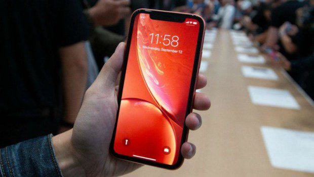 """iPhone XR: Apple выводит на рынок """"темную лошадку"""""""